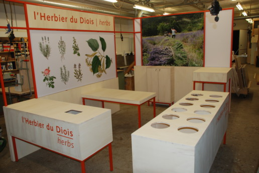 verhoogde kruiden plantenbakken multiplex stalen frame, meubelmaker amsterdam cabinetmaker custom furniture op maat gemaakt maatwerk meubels
