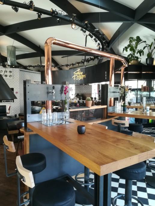 biertafels hout en staal met eigen tap, meubelmaker amsterdam cabinetmaker custom furniture op maat gemaakt maatwerk meubels