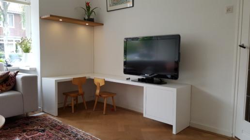 wit tv meubel met kinderzitje, meubelmaker amsterdam cabinetmaker custom handmade furniture op maat gemaakt maatwerk meubels