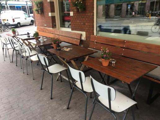 Opklapbare terrasbanken mahonie café Bosco meubelmaker amsterdam cabinetmaker custom handmade furniture op maat gemaakt maatwerk meubels