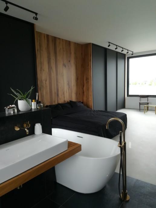 wastafel bad bed wandkast zwart eiken meubelmaker amsterdam cabinetmaker custom handmade furniture op maat gemaakt maatwerk meubels