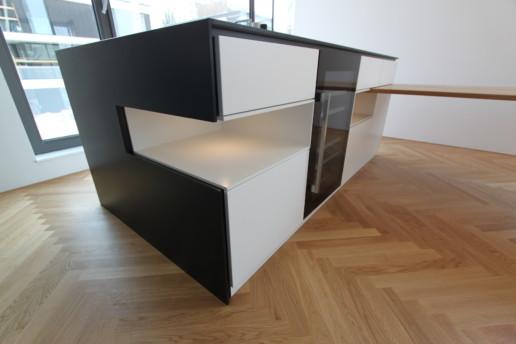 keuken eiland nis detail meubelmaker amsterdam cabinetmaker custom handmade furniture op maat gemaakt maatwerk meubels