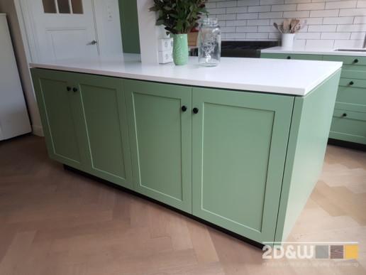 keuken groen landelijk haarlem eiland keukeneiland witte tegels donkere voeg meubelmaker amsterdam cabinetmaker custom handmade furniture op maat gemaakt maatwerk meubels